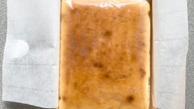 焼チーズケーキの木箱のふたを開けてみる②