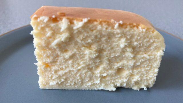 武蔵野茶房の焼チーズケーキの断面図